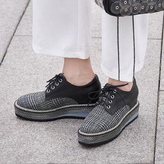Check Platform Lace-up Shoes