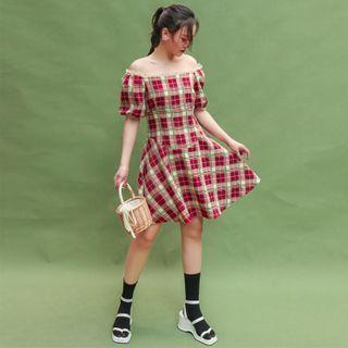 Off Shoulder Puff-sleeved Plaid Dress