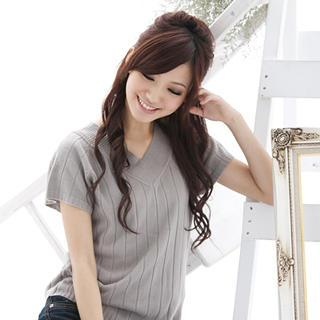 Short-sleeve V-neck Knit Top