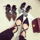 Cross Strap Pointy-toe Flats