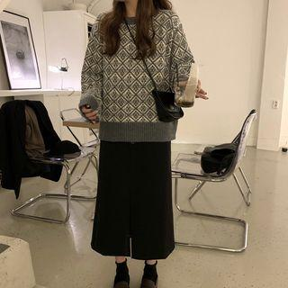 Patterned Crew-neck Sweater / Midi A-line Skirt
