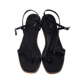 Toe-loop Strappy Sandals