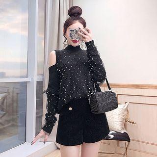 Set: Cold-shoulder Dotted Knit Top + Shorts
