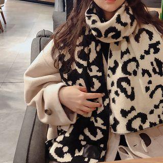 Leopard Pattern Knit Scarf Black - One Size