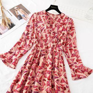 Geometric Patterned Ruffle Hem Chiffon Maxi Dress