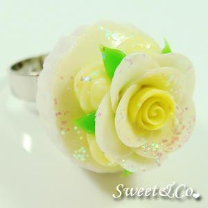 Sweet Yellow Glitter Cupcake Floral Ring
