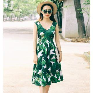 Sleeveless Leaf Print Dress