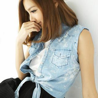 Sleeveless Tie-waist Denim Shirt