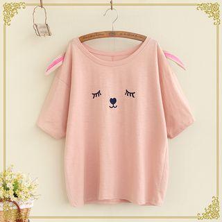 Rabbit Embroidered Short Sleeve T-shirt