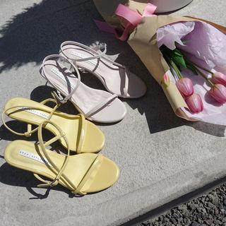 Middle-heel Strap Sandals