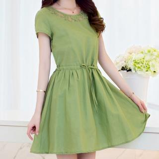 Short Sleeved Tie-waist Dress