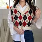 Patterned V-neck Knit Vest