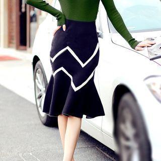 Contrast Trim Chevron Patterned Midi Knit Skirt