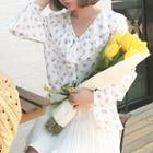 V-neck Floral Print Chiffon Top