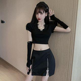 Short-sleeve Chain Detail T-shirt / Zipped Mini Pencil Skirt / Fingerless Gloves