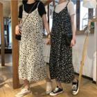 Short-sleeve Plain T-shirt / Polka Dot Suspender Skirt