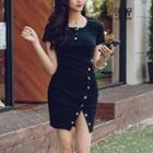 Short-sleeve Buttoned Dress Black - One Size