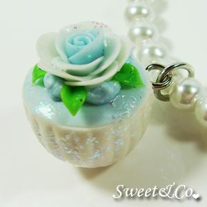 Sweet Blue Glitter Cupcake Floral Pearl Necklace