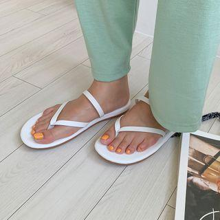 Strap-trim Flip-flops