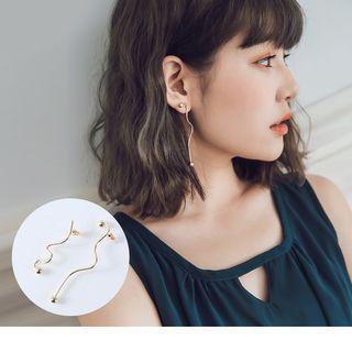 Curve Drop Earrings