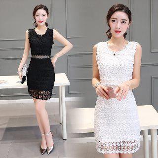 Sleeveless Paneled Lace Dress