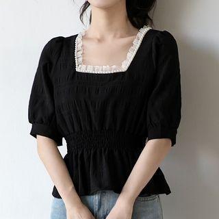 Lace-trim Square-neck Short-sleeve Top Black - M