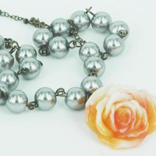 Sleeping Rose Pearl Necklace(peach) One Size