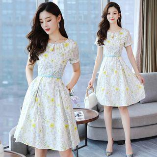 Short Sleeve Floral Print A-line Dress