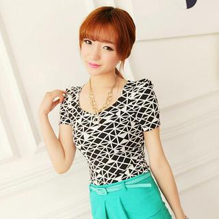 Short-sleeve Patterned Top