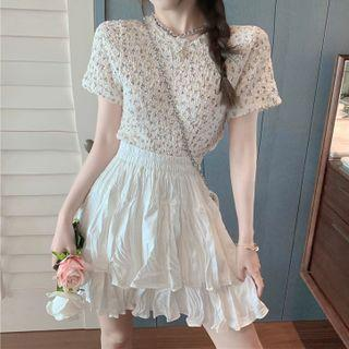 Short-sleeve Floral Top / Elastic-waist Layered Mini Skirt