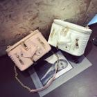 Zip Boxy Chained Shoulder Bag