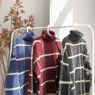 Plaid Turtle-neck Loose-fit Sweater