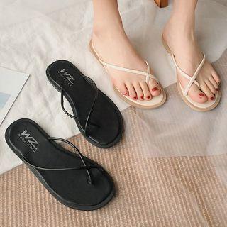 Cross Strap Flip-flops