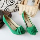 Bow-accent Pumps