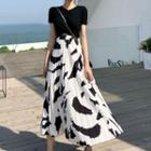Short-sleeve Twisted T-shirt / Print A-line Maxi Skirt