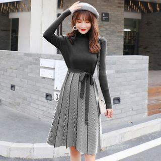 Mock-turtleneck Tie-waist A-line Rib Knit Dress