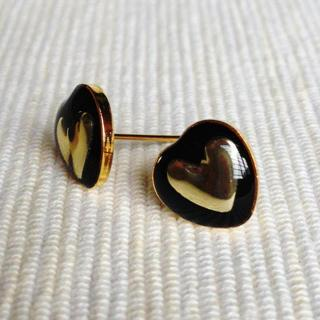 Resin Heart Earrings (black) One Size