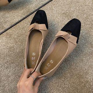 Knot Color Panel Faux Leather Low Heel Pumps