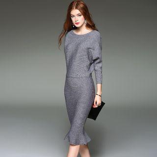 Set: Knit Top + Ruffled Skirt