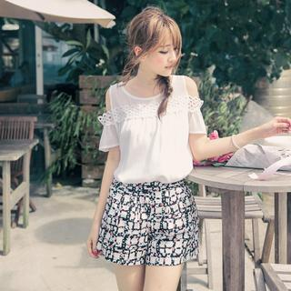 Set: Short-sleeve Chiffon Top + Printed Shorts