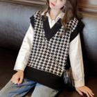 V-neck Houndstooth Knit Vest Black - One Size