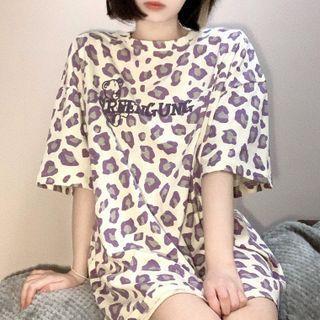 Oversized Leopard Print Lettering T-shirt