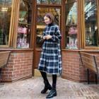 Round-neck Plaid Midi Dress