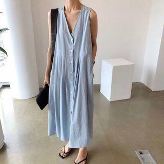 Sleeveless V-neck Button-up Maxi A-line Dress