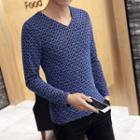 Patterned V-neck Long Sleeve T-shirt