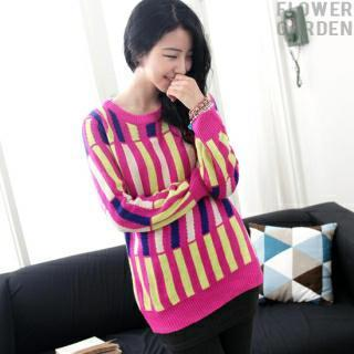 Crew-neck Patterned Knit Top
