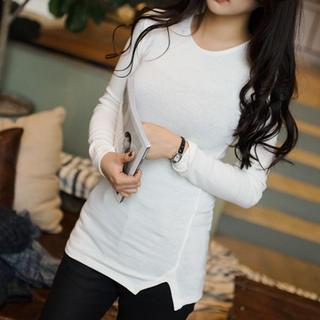 Round-neck Slit-hem T-shirt