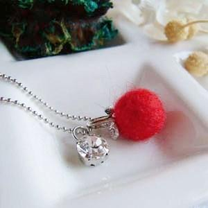 Felt Wool Fresh Fruit Necklace (apple)