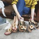 Floral Loop-toe Slide Sandals