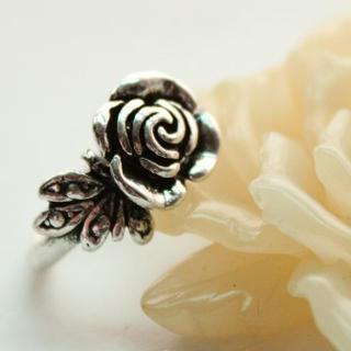 Vintage Flower Ring Silver - One Size